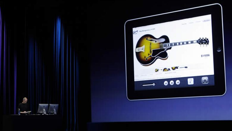Una nueva versión de su sistema operativo, iOS 4.2, que promete saldrá en noviembre, que traerá mejoras para la iPad.