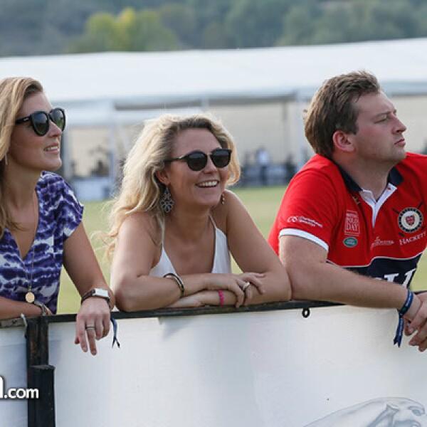 Ginny Langton,Holly Houghton y John Haigh