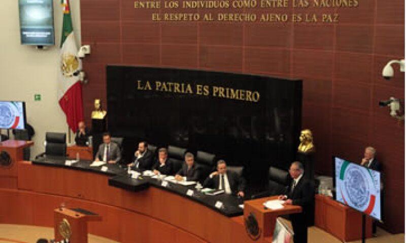 El Senado también acordó que los trámites aduanales puedan realizarse en lugares diferentes a los autorizados.   (Foto: Notimex)