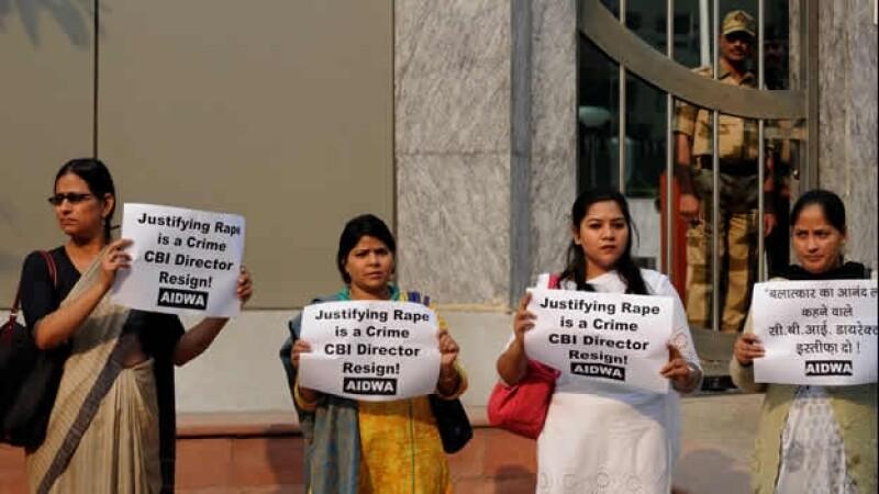 activistas exigen renuncia de funcionario