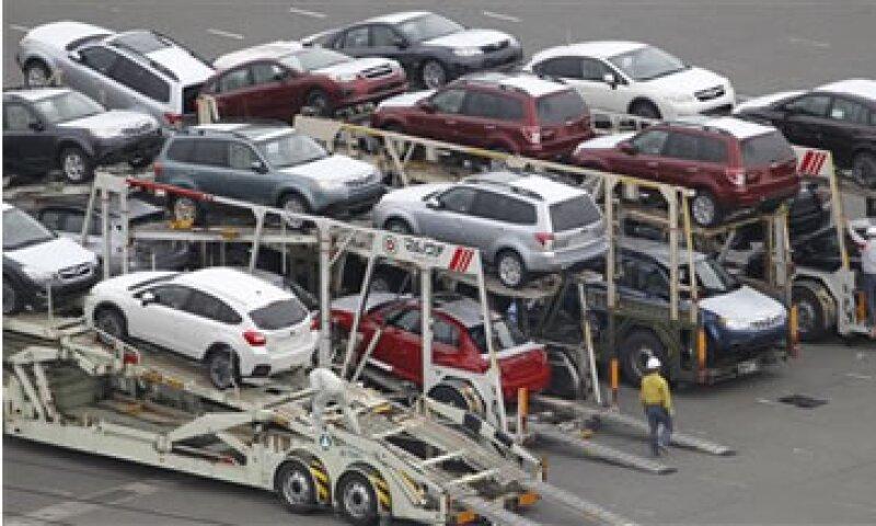 Brasil dijo que su déficit comercial se disparó a 1,170 mdd en 2011. (Foto: AP)