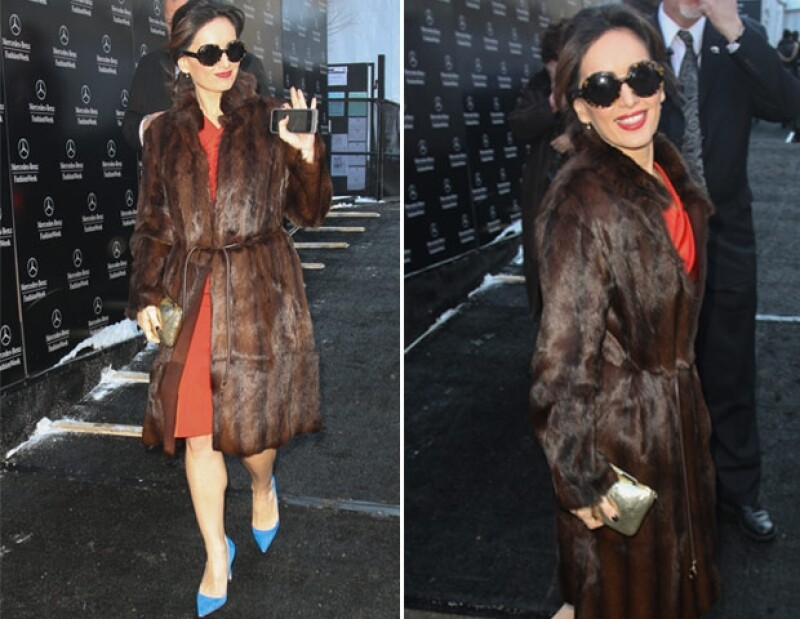 La actriz de 36 años utilizó abrigos de piel, los cuales están en tendencia.