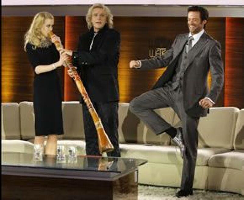 La actriz australiana sopló el didgeridoo, un instrumento utilizado en ceremonias religiosas que sólo puede ser tocado por los hombre.