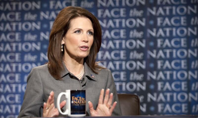 La republicana y aspirante presidencial Michelle Bachmann pidió incluso la renuncia del secretario del Tesoro, Timothy Geithner. (Foto: AP)