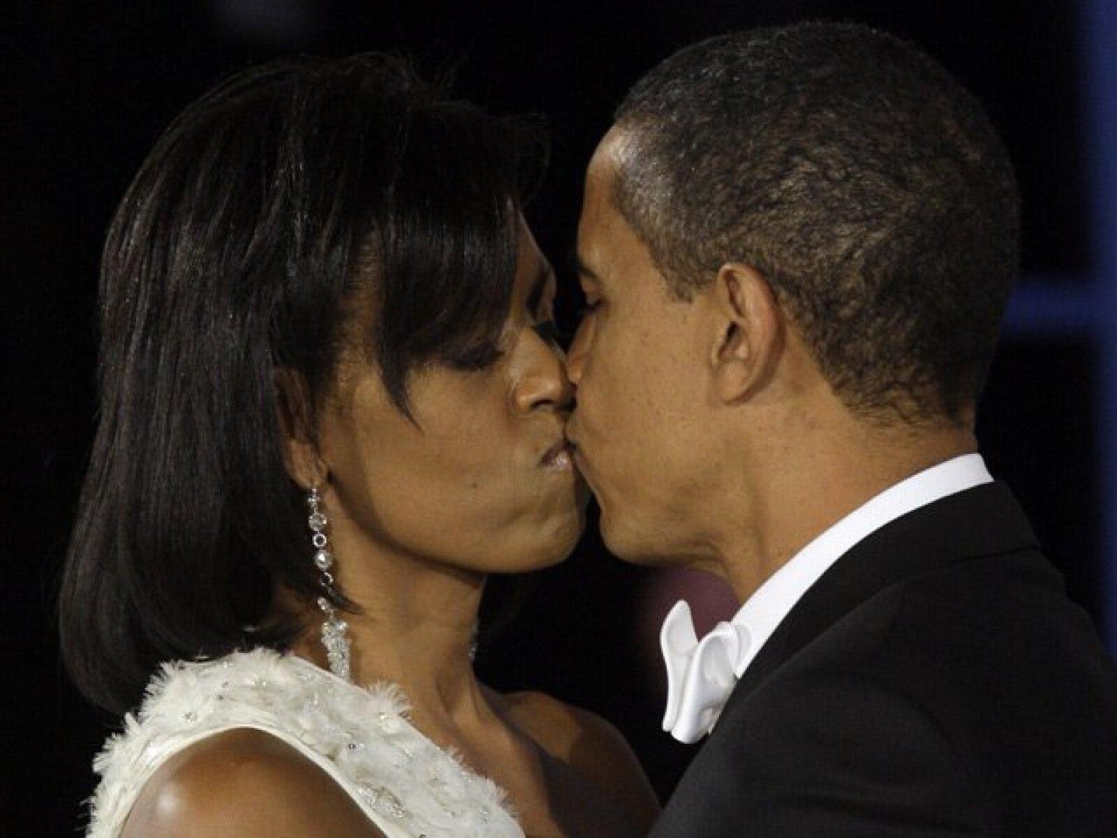 Romántico momento con Michelle Obama, en el tradicional baile del día de la toma de posesión.