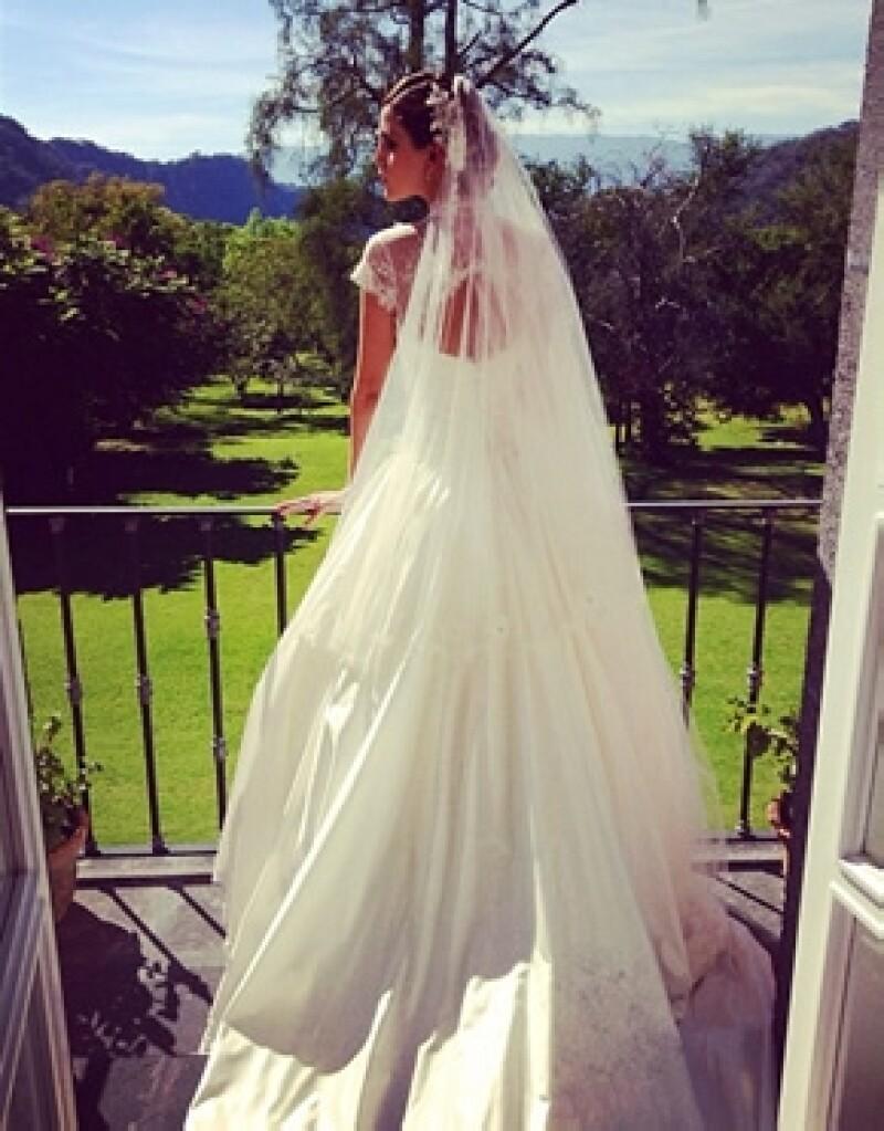 Nikki Brizz con su vestido de novia.