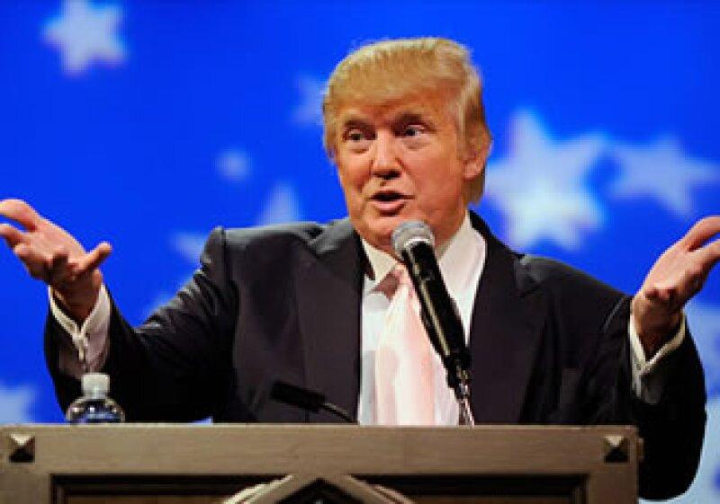 El empresario se unió al movimiento que sostiene que Barack Obama no nació en EU, por lo que no puede ser presidente. (Foto: Cortesía CNNMoney.com)