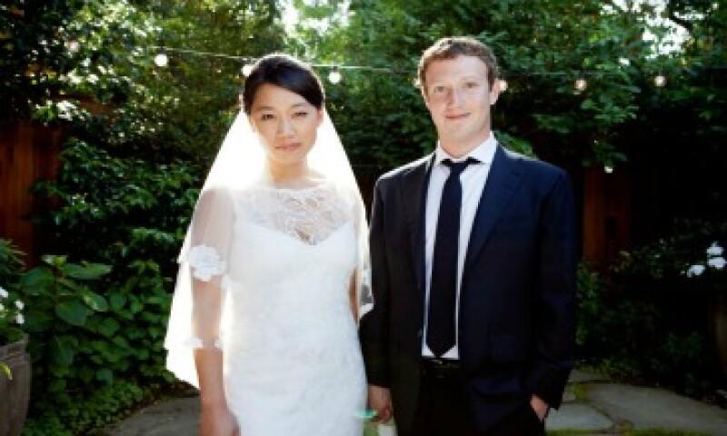 Zuckerberg, quién fundió la red social en 2004, actualizó su estatus de relación a Casado este sábado. (Foto: Tomada de la página personal de Facebook de Zuckerberg)