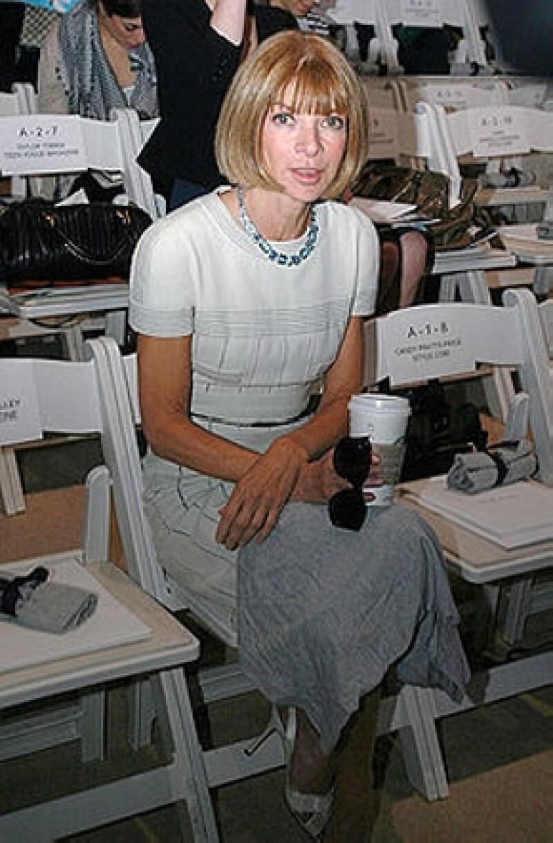 La editora de moda confesó que su lugar de todos los días para iniciar su jornada de trabajo es Starbucks, cosa que también se refleja en la película.
