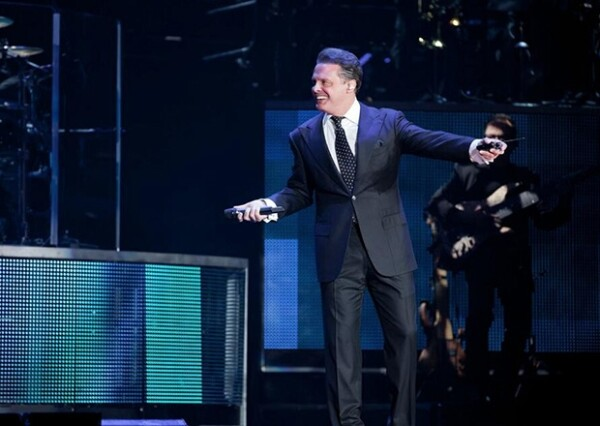 `The hits tour 2013´se caracterizó por un Luis Miguel complaciente y dinámico con su público.