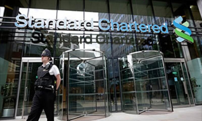 Los analistas esperan que Standard Chartered pagará una multa de 1.5 mdd. (Foto: Cortesía Fortune)