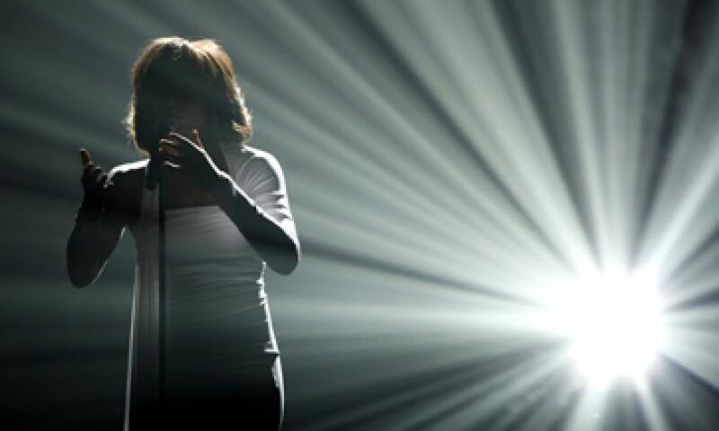 Whitney Houston, quien falleció a los 48 años, ganó 415 premios musicales, entre ellos, dos Emmys, 6 Grammys, 22 American Music Awards y 30 Billboard Awards.  (Foto: AP)