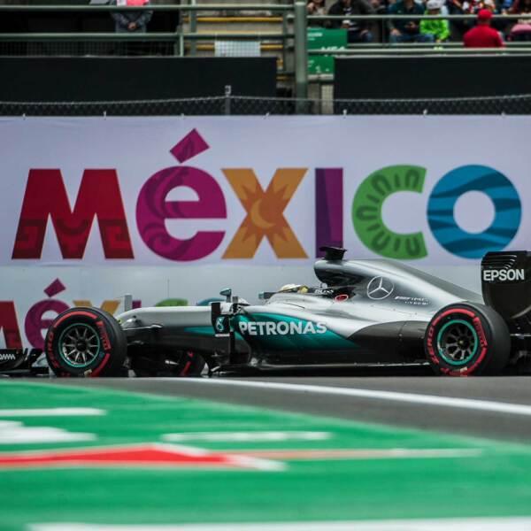 Mercedes y Hamilton