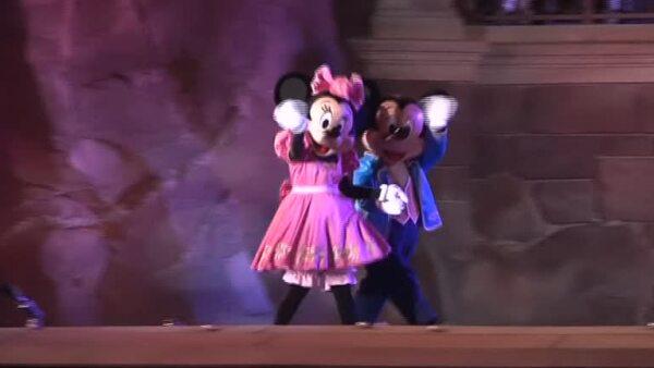 Disneyland París recibirá una inversión de 2.47 billones de euros