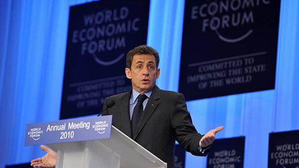 El presidente de Francia, Nicolas Sarkozy, demandó una mejoría en los sistemas bancarios mundiales, ya que, según él, fueron parte de la debacle económica global.