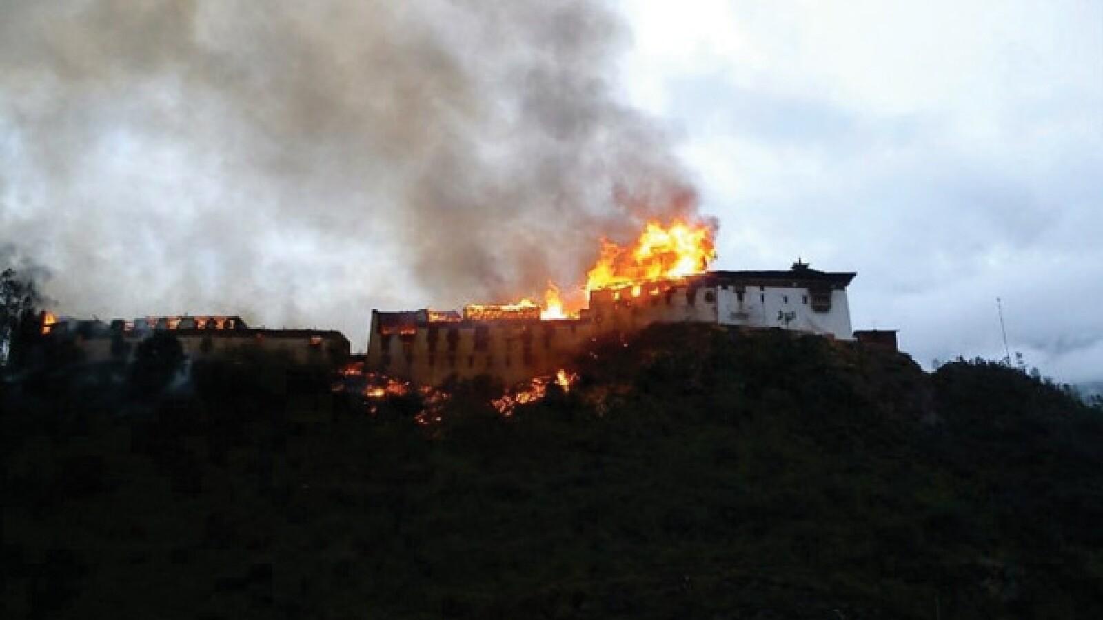 incendio en buthan