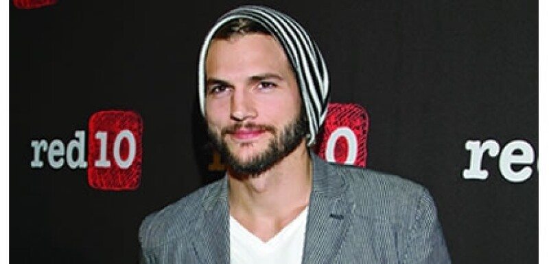 El Red10 Social Media Fest México 2011, realizado en octubre, convocó a varias personalidades expertas en tecnología entre las que encontramos al actor Ashton Kutcher, quien habló de las oportunidades que brindan las redes sociales.