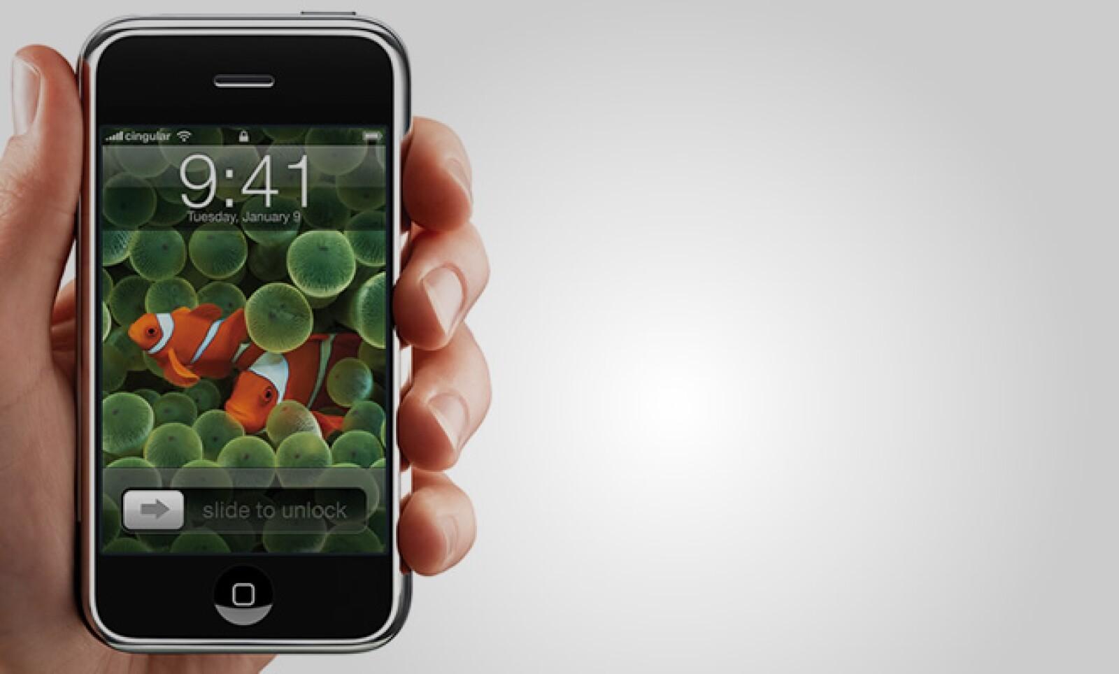 El primer iPhone salió a la venta en Estados Unidos el 29 de jumio de 2007.