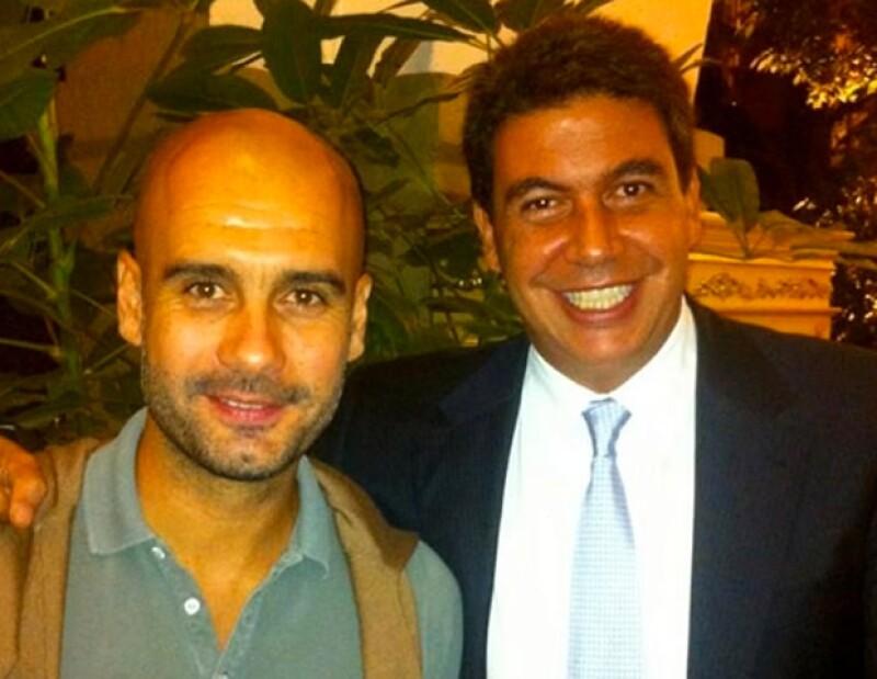 El empresario mexicano subió una foto a Twitter para informarle a todos sus seguidores que el ex entrenador del Barcelona ya se encontra en el DF para dar una conferencia en el Auditorio Nacional.