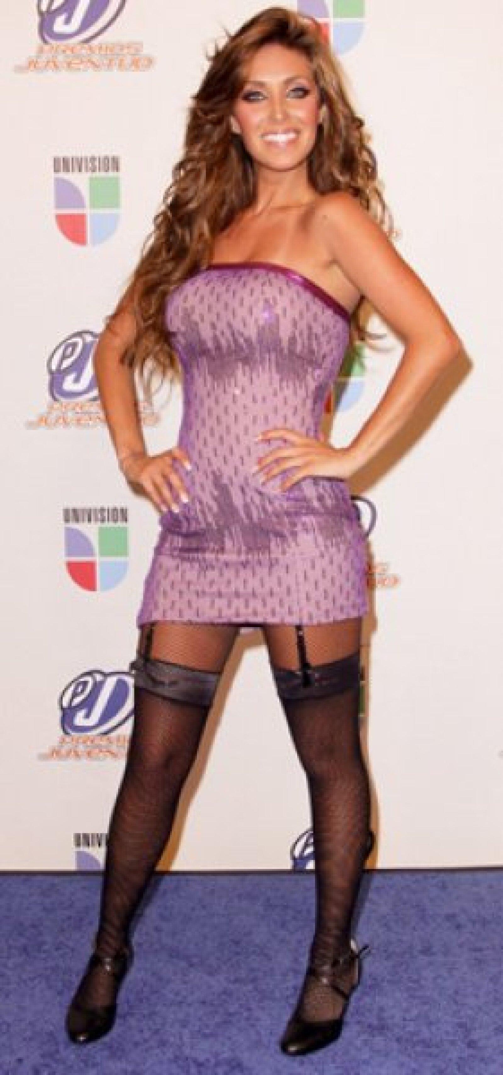 Además de ser la primera ex RBD en lanzarse como solista, Anahí trabajó con dos integrantes del grupo regiomontano Kinky en la creación de este nuevo álbum.