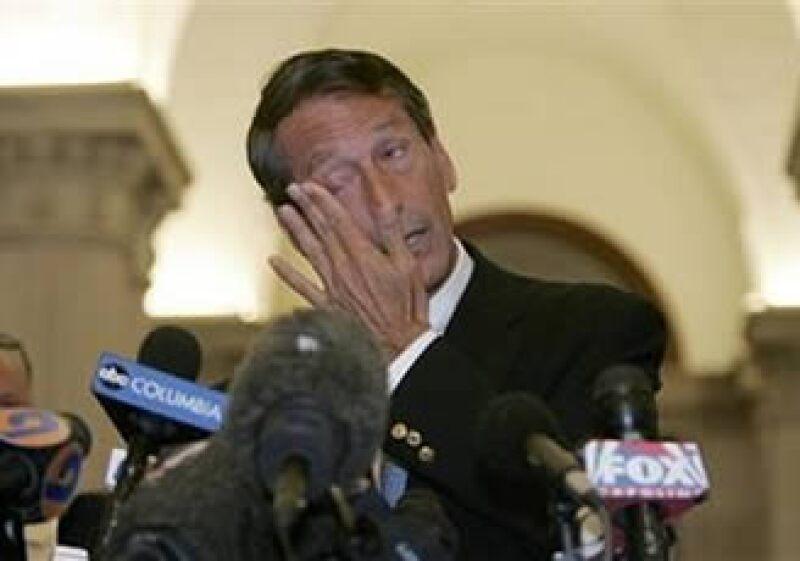 El gobernador de Carolina del Sur, Mark Sanford, dio una conferencia de prensa para hablar sobre su infidelidad. (Foto: AP)