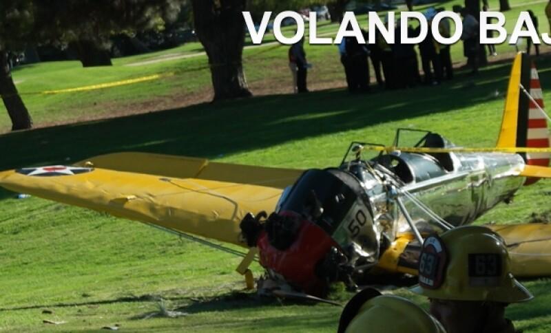 Un aficionado grabó los momentos previos al accidente del actor de 72 años a bordo de una avioneta antigua ayer en Santa Mónica, California.