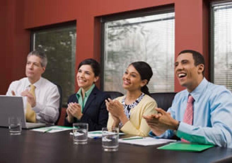 Las empresas líderes han cuidado a sus empleados desde antes de la crisis. (Foto: Jupiter Images)
