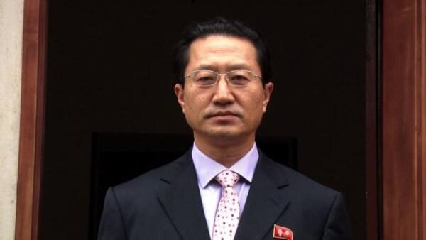 """Embajador norcoreano expulsado acusa a Perú de """"echar gasolina al fuego"""""""