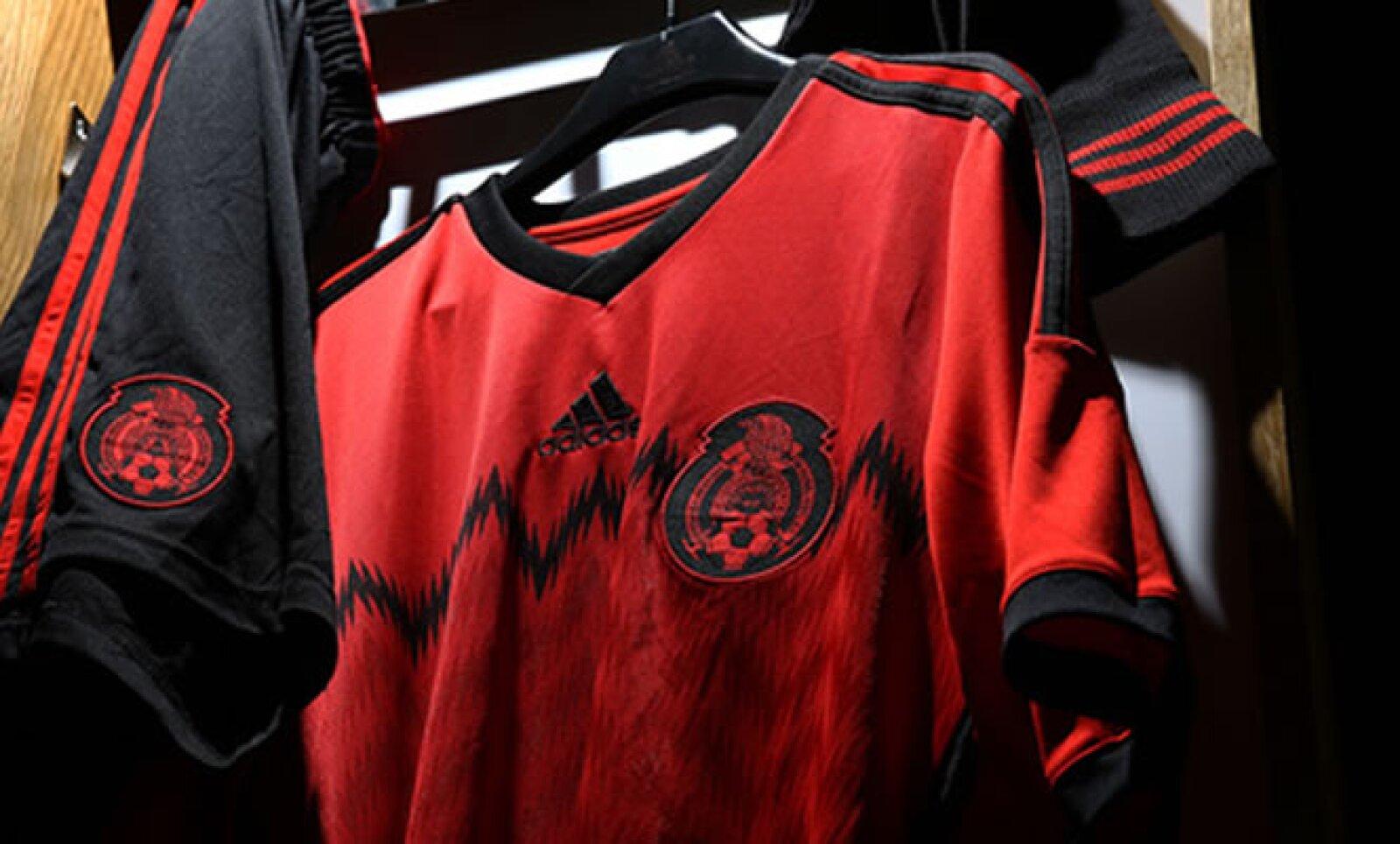 Adidas señaló que el nuevo uniforme saldrá a la venta a partir de este San Valentín.