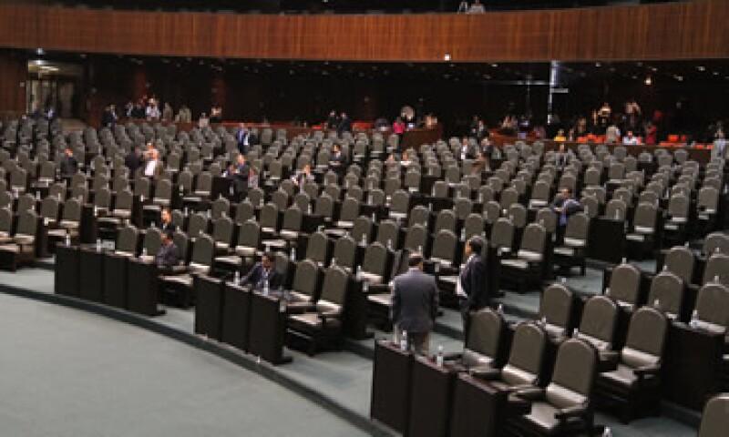 Los nuevos líderes del poder legislativo deberán lidiar con iniciativas congeladas. (Foto: Archivo)