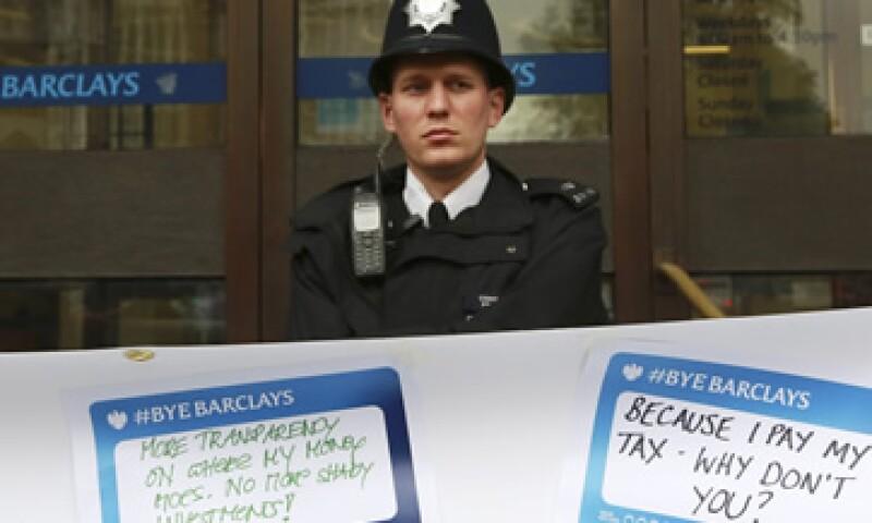 Directivos del británico Barclays están involucrados en la manipulación de la tasa Libor. (Foto: Reuters)