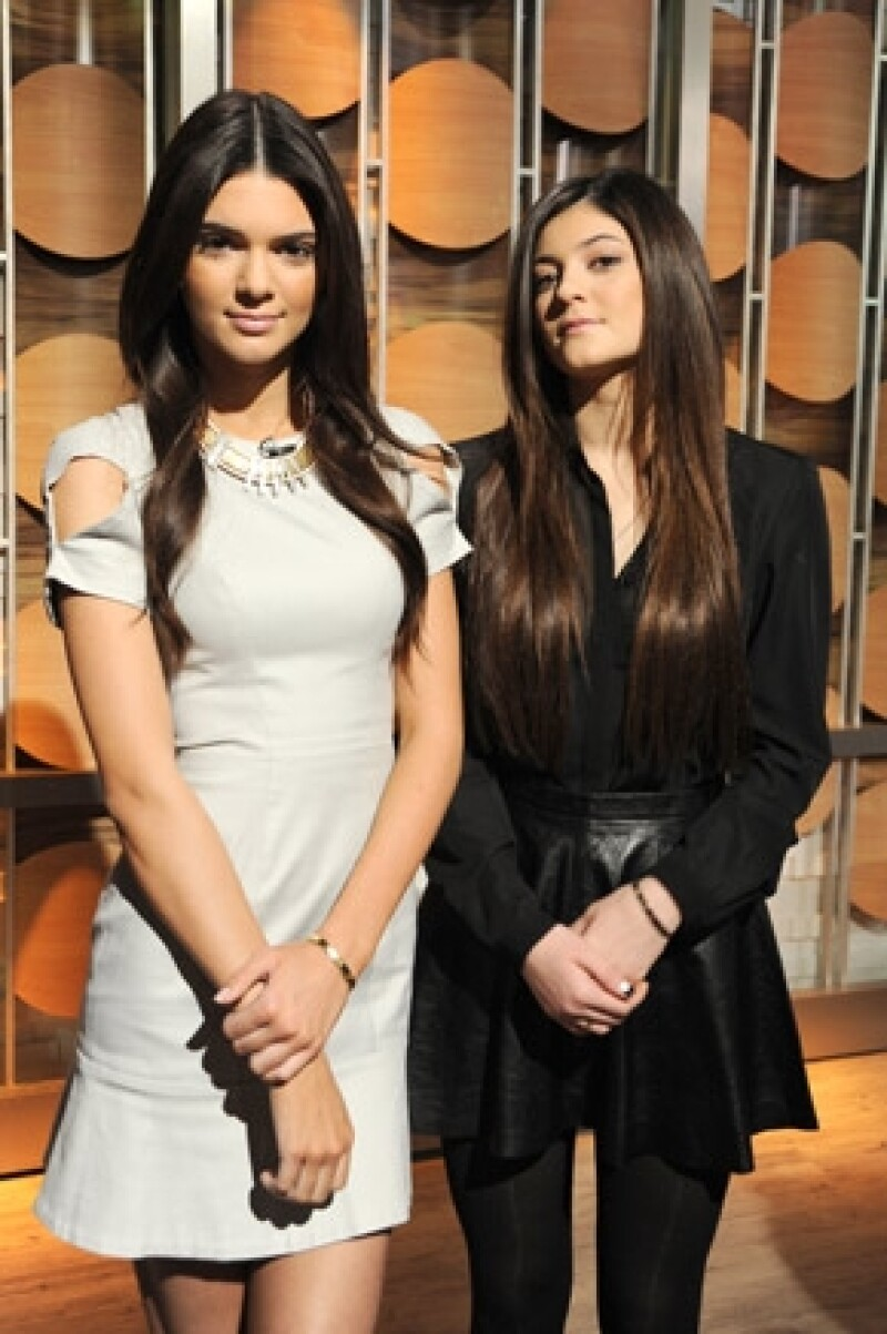 Las modelos Kendall y Kylie Jenner, aseguraron al canal E! News que les molesta mucho que critiquen el peso de Kim.