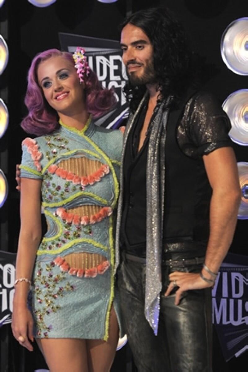 Finalmente la cantante y Russell Brand están legalmente separados luego de seis meses de haber iniciado el proceso.