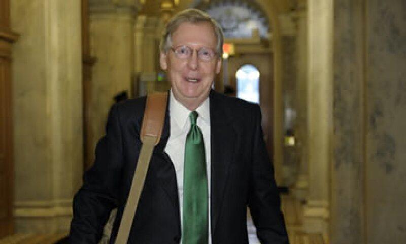 McConnell dijo que el incremento de impuestos ya se aceptó y que se debe dejar atrás. (Foto: AP)