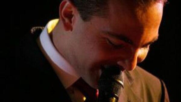 El cantante presentó 'No me digas', la primer canción de su nuevo disco, el cual será lanzado en marzo próximo.