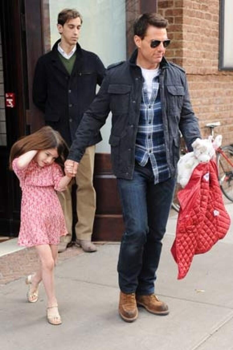 El actor no ha tenido tiempo de ver a su hija debido a que se encuentra en el Reino Unido filmando `All You Need is Kill´por ello la premiará con un viaje a Escocia.