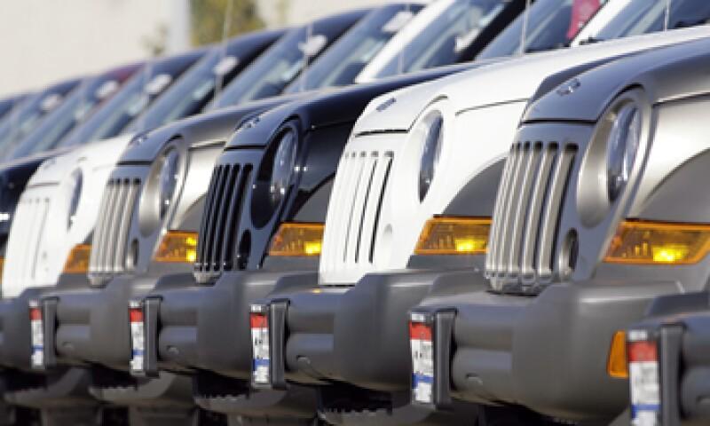 Chrysler dijo que mejorará la estructura trasera de los vehículos.  (Foto: AP)