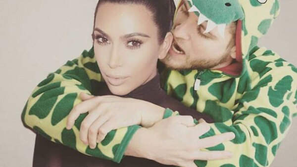 Los abogados del cantante estudian varias vías legales para exigir a Kanye West una compensación económica por mostrar a varios famosos desnudos en su vídeo &#39Famous&#39.