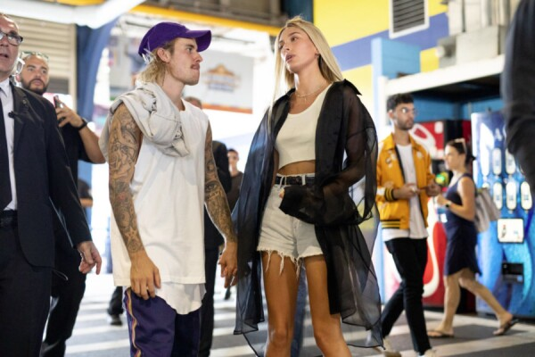 Justin Bieber y Hailey Baldwin(1)