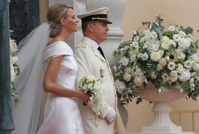 Sin duda detrás de la relación entre la ex nadadora y el príncipe Alberto hay mucho de qué hablar. Lo último, Charlene brilló por su ausencia en la investidura de los ahora reyes de Holanda.