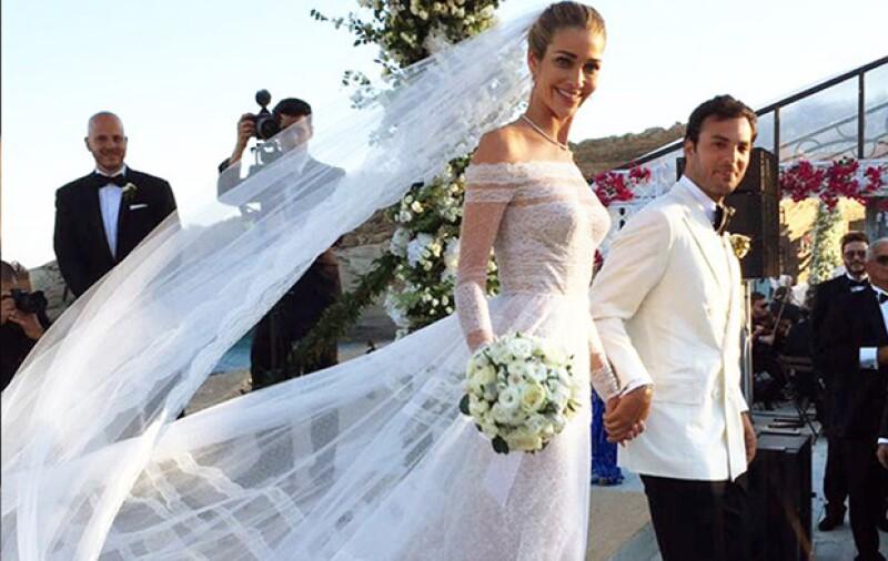 Un arco de flores, vistas del mar, invitados como Adriana Lima y Alessandra Ambrosio. ¿Que más puede pedir una mujer para el día de su boda? Te contamos los detalles del increíble enlace matrimonial.