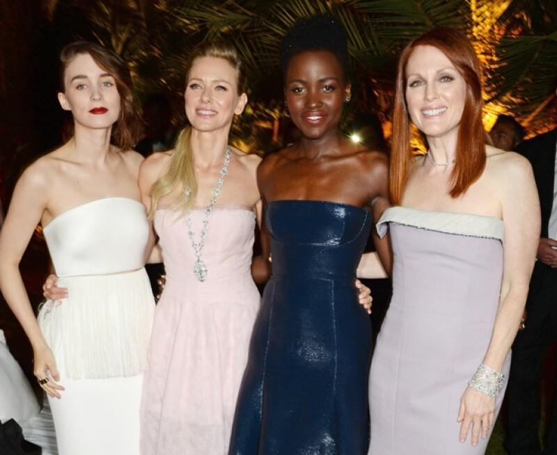 Aunque no fue captada en ninguna de las red carpets del segundo día del festival, la ganadora del Oscar acudió a una fiesta acompañada de reconocidas bellezas y talentos del cine independiente.