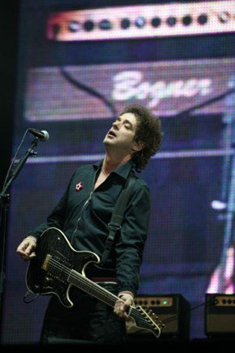 El cantante argentino se dislocó un hombro al caerse en la casa que tiene en la ciudad uruguaya de Punta del Este.