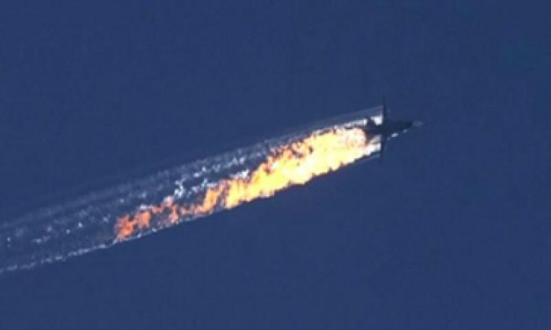 El avión militar ruso fue derribado por fuerzas turcas en territorio sirio (Foto: EFE)