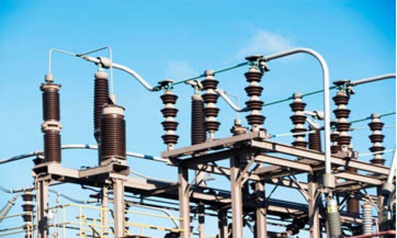 El robo de luz y falta de pago representan aproximadamente 15% de la generación total de electricidad de CFE. (Foto: Getty Images)