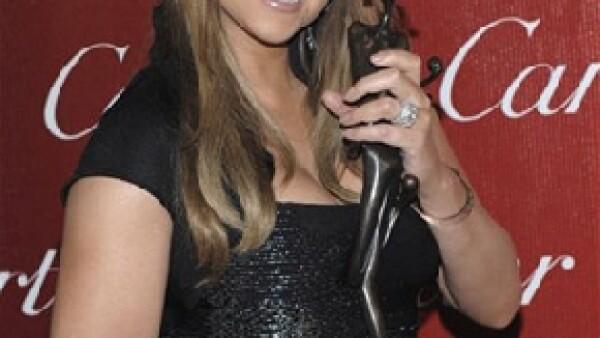 La actriz hizo un largo e incoherente discurso de aceptación al recibir el premio por su trabajo en la película Precious, dentro el Festival Internacional de Cine de Palm Springs.