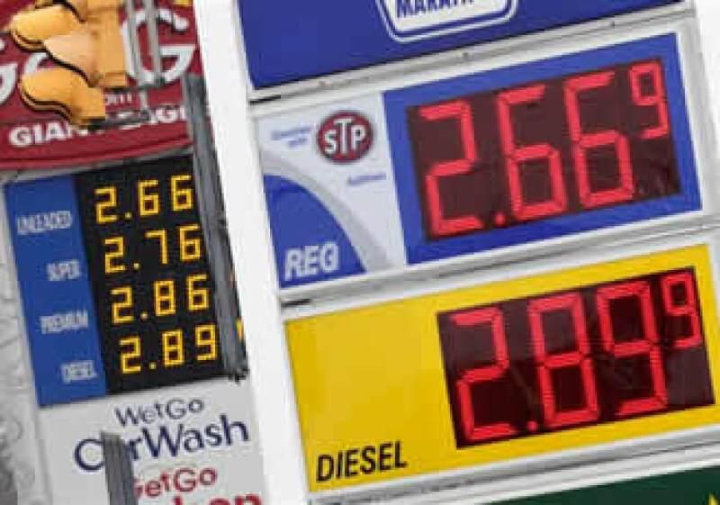 El dólar se cotizó en 75 dólares por barril. (Foto: AP)