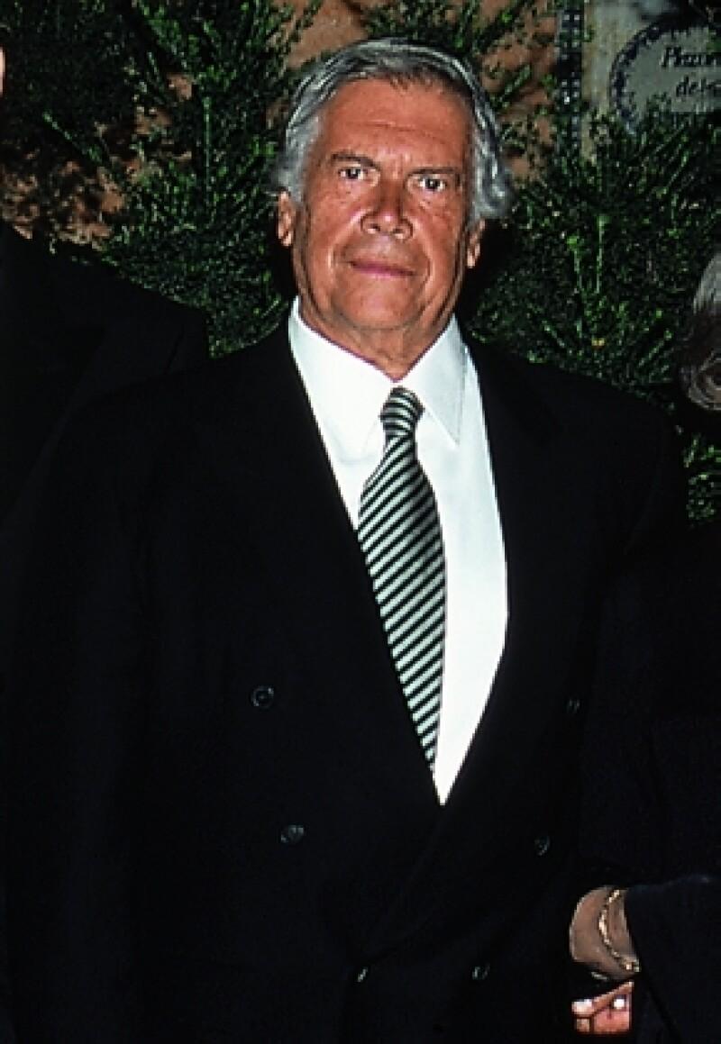 Jacky Bracamontes dio a conocer el sábado por la noche que Enrique Fuentes León había fallecido.