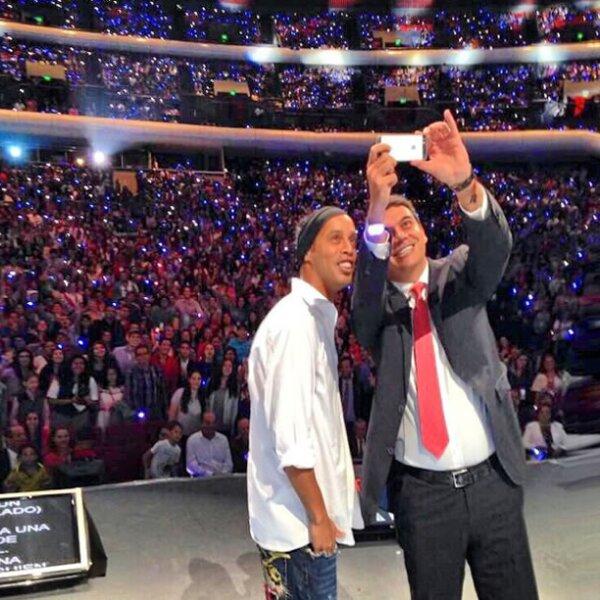 Con e futbolista Ronaldinho