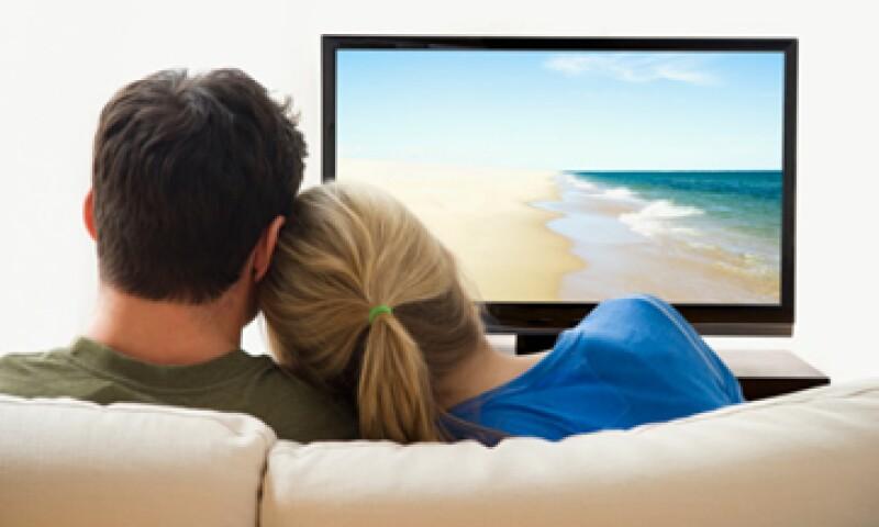 El acuerdo entre AT&T y DirecTV podría cambiar la industria de la televisión de EU.  (Foto: Getty Images)